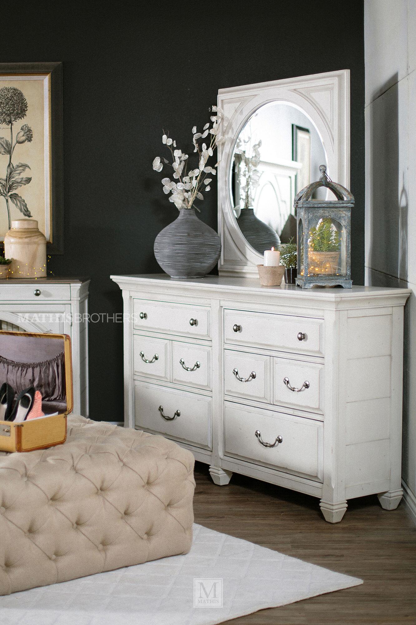 Four Piece Distressed Bedroom Set In Cream
