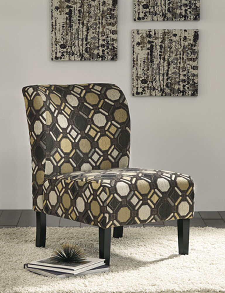 """Geometric Patterned 22"""" Accent Chair"""