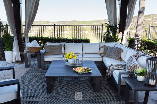 Three-Piece Casual Patio Sectional in Gray