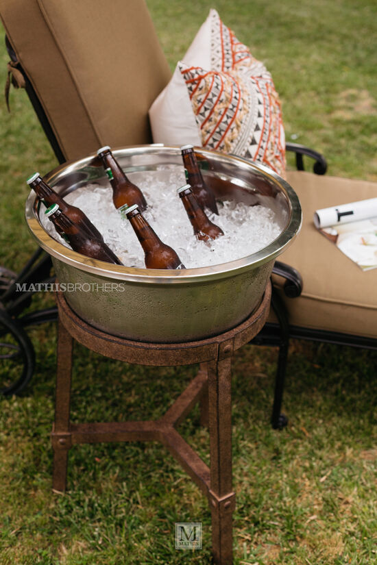Traditional Ice Bucket Table in Brown