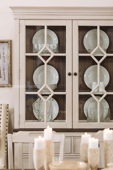 Casual China Base & Hutch in Vintage Linen