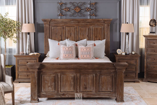 Four-Piece Traditional King Bed Suite in Aged Pine