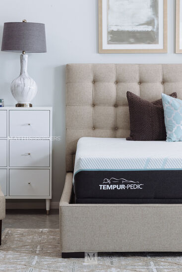 Casual Nine-Drawer Accent Chest in Beige