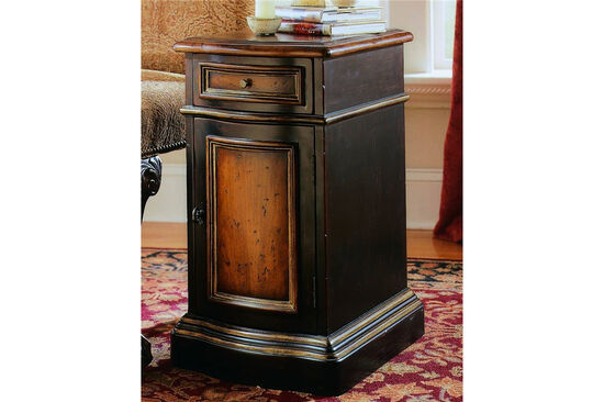 24.5'' One-Door Traditional Chairside Chest in Black