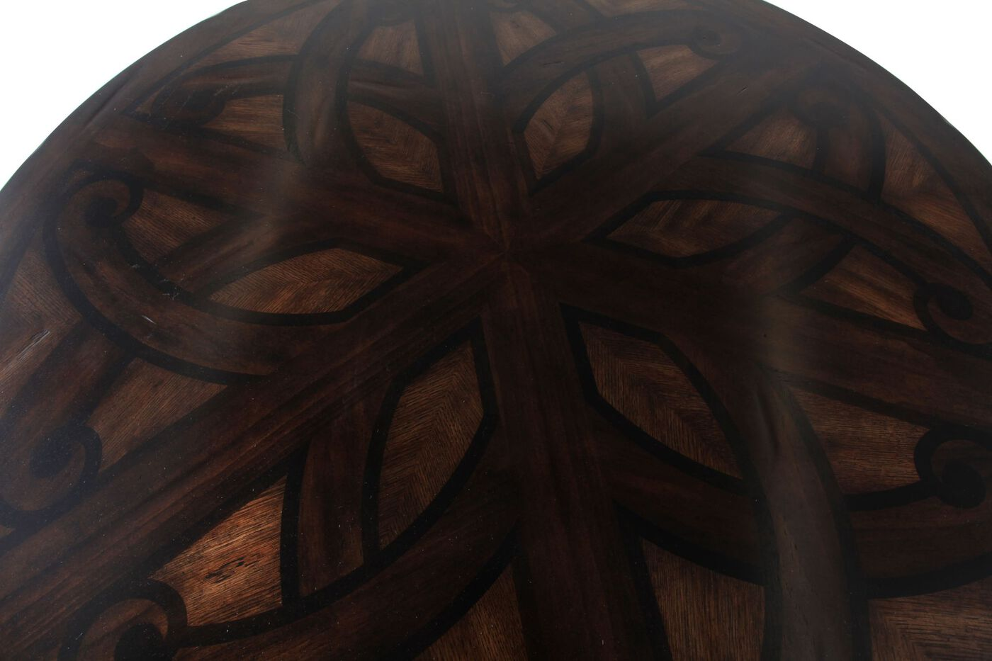 Traditional 54 Round Pedestal Dining Table In Oak