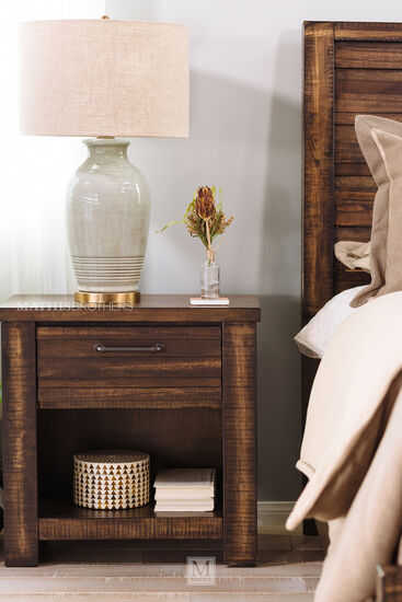 "27"" Traditional Nightstand in Deep Brown Tobacco"