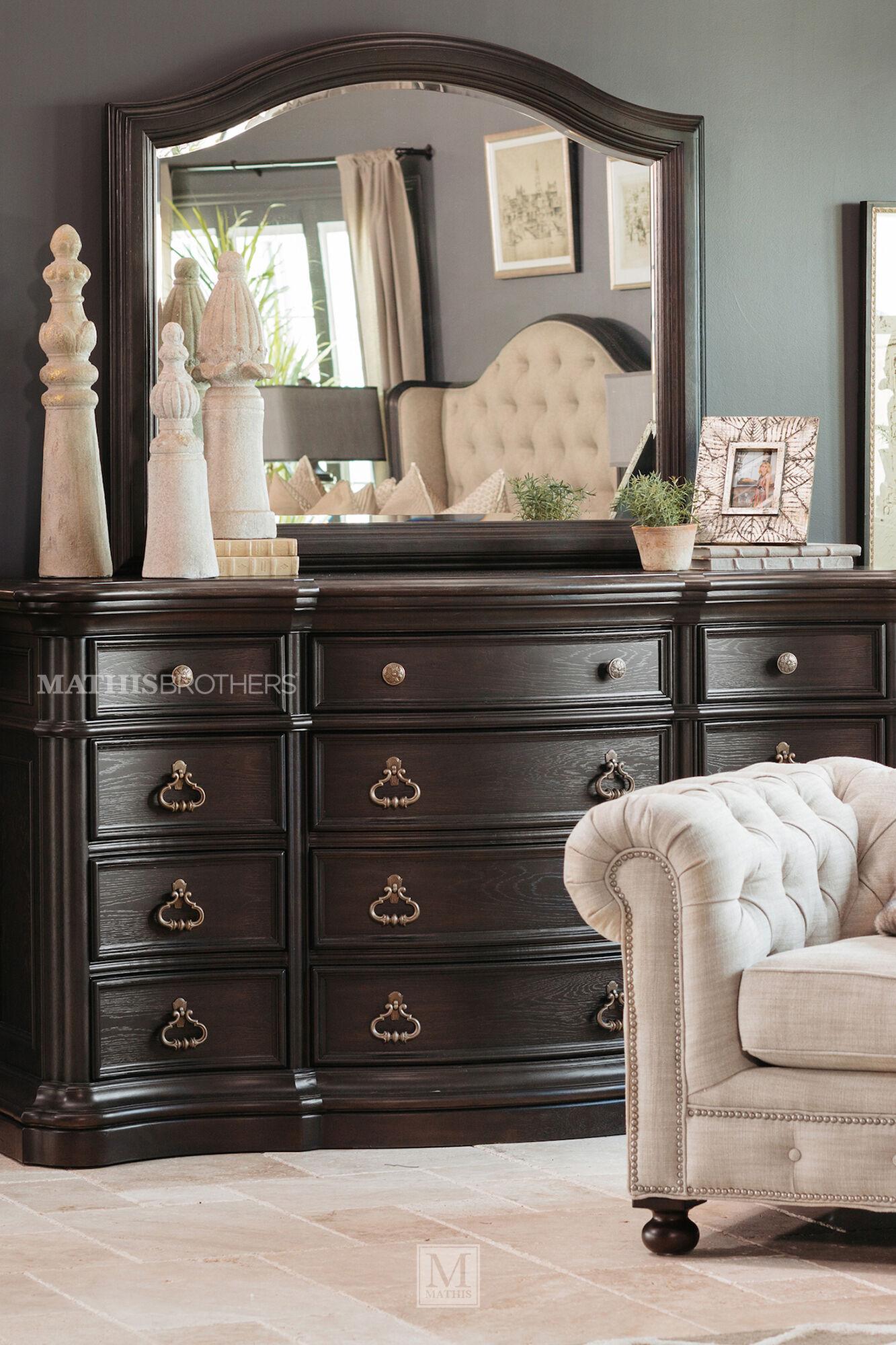 Four-Piece Refined Romantic Luxury Bedroom Set In Brown