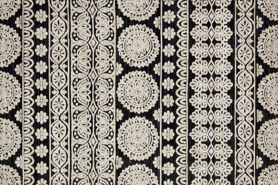 "Magnolia Home Power Loomed 5' x 7'6"" Rug in Black/Silver"