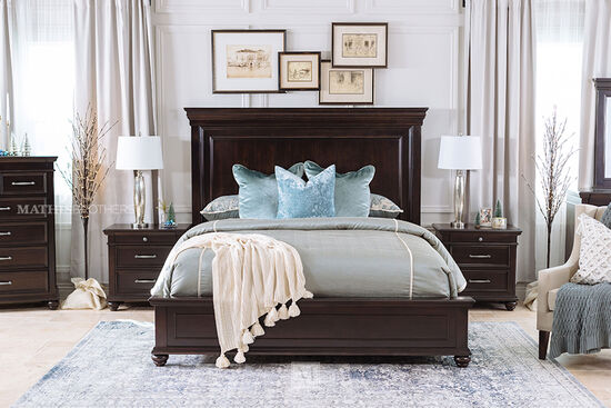 """28"""" Traditional Three-Drawer Nightstand in Dark Brown"""