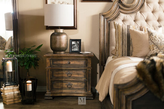 "29.5"" Refined Romantic Luxury Three-Drawer Nightstand in Dark Brown"