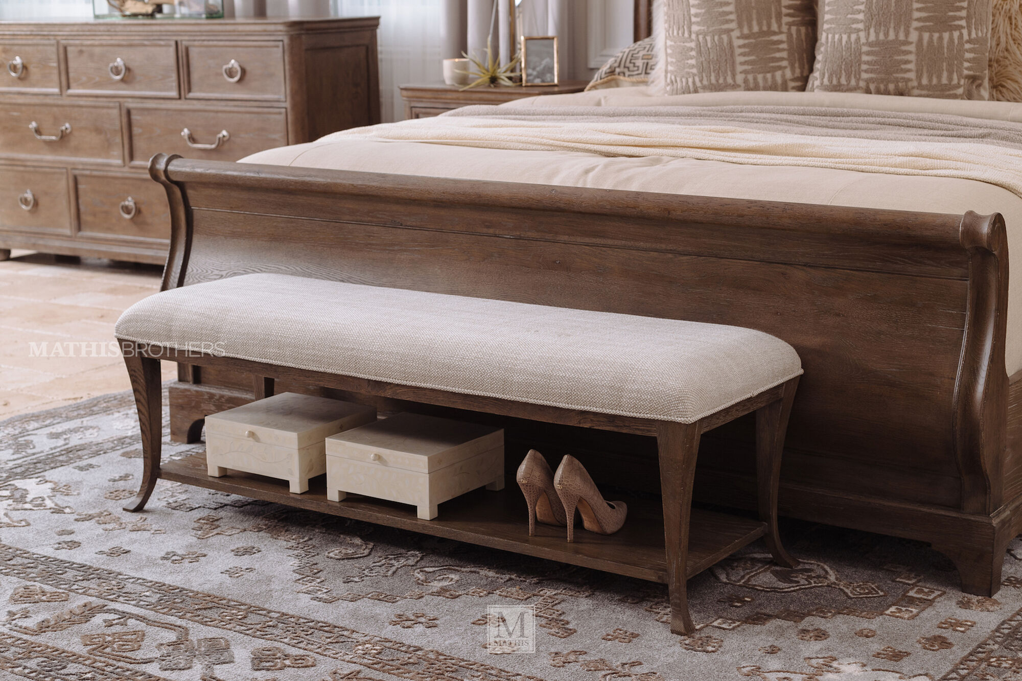 18 Quot Traditional Bedroom Bench In Brown Mathis Brothers