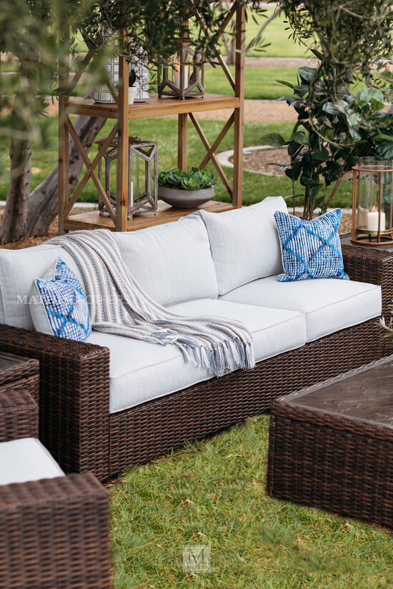 Contemporary Woven Patio Sofa in Dark Brown
