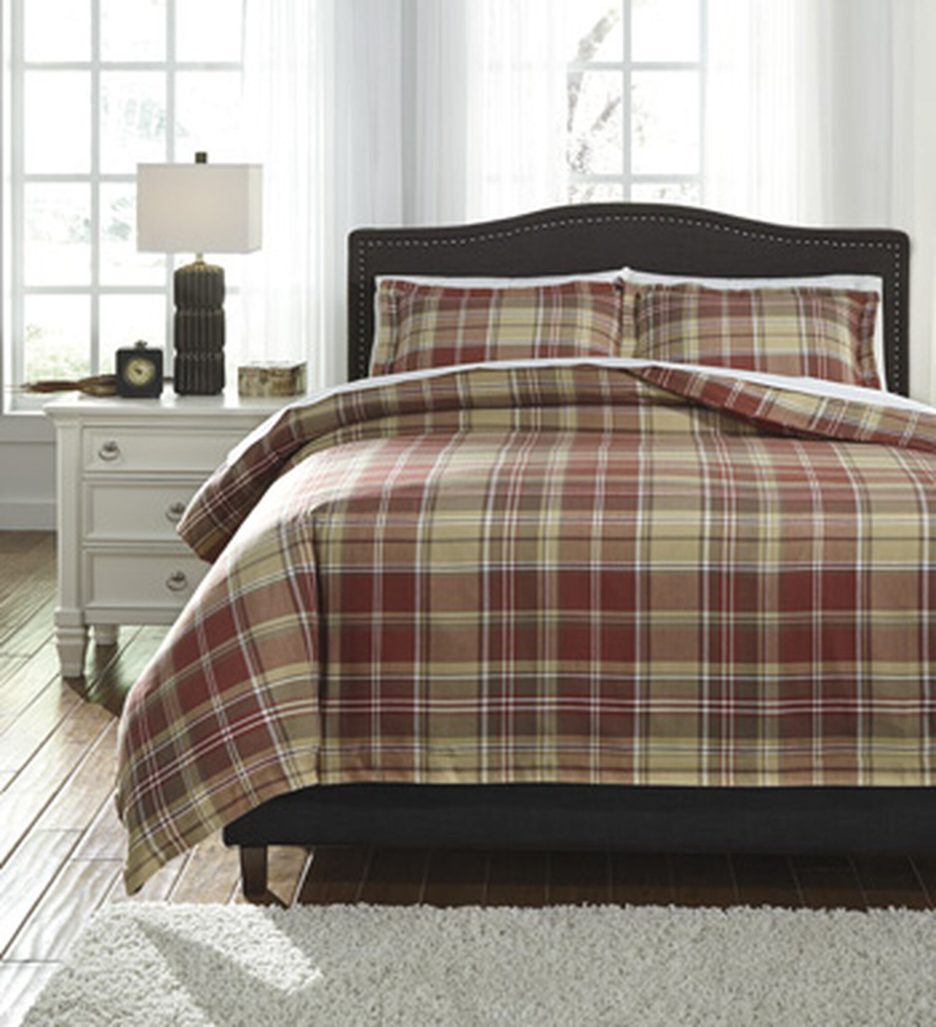 Three Piece Contemporary Plaid King Duvet Cover Set In Red