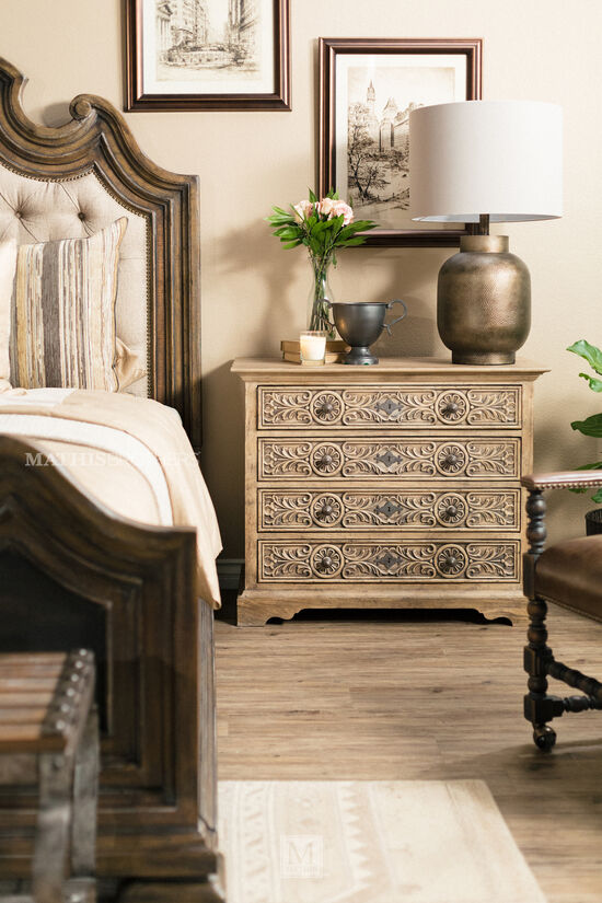 """32"""" Traditional Leaf-Carved Bachelor's Chest in Light Brown"""