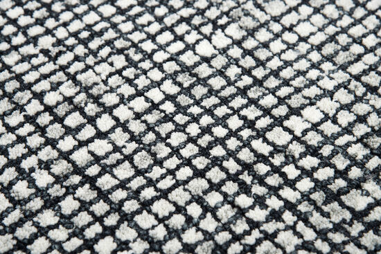 Casual/Solid Hand-Tufted 5' x 8' Rectangle Rug in Black