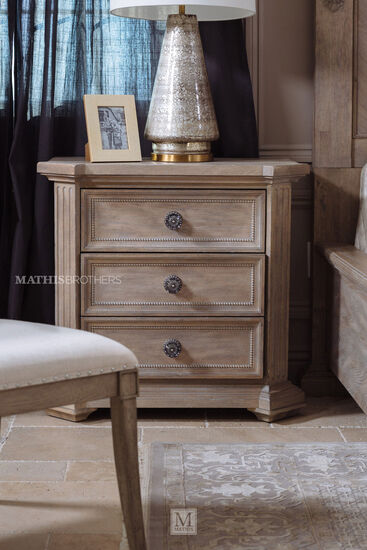 "19"" Casual Three-Drawer Cady Nightstand in Mist"