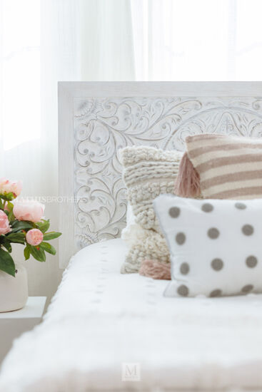 Medallion-Patterned Youth Panel Bed in White Wash