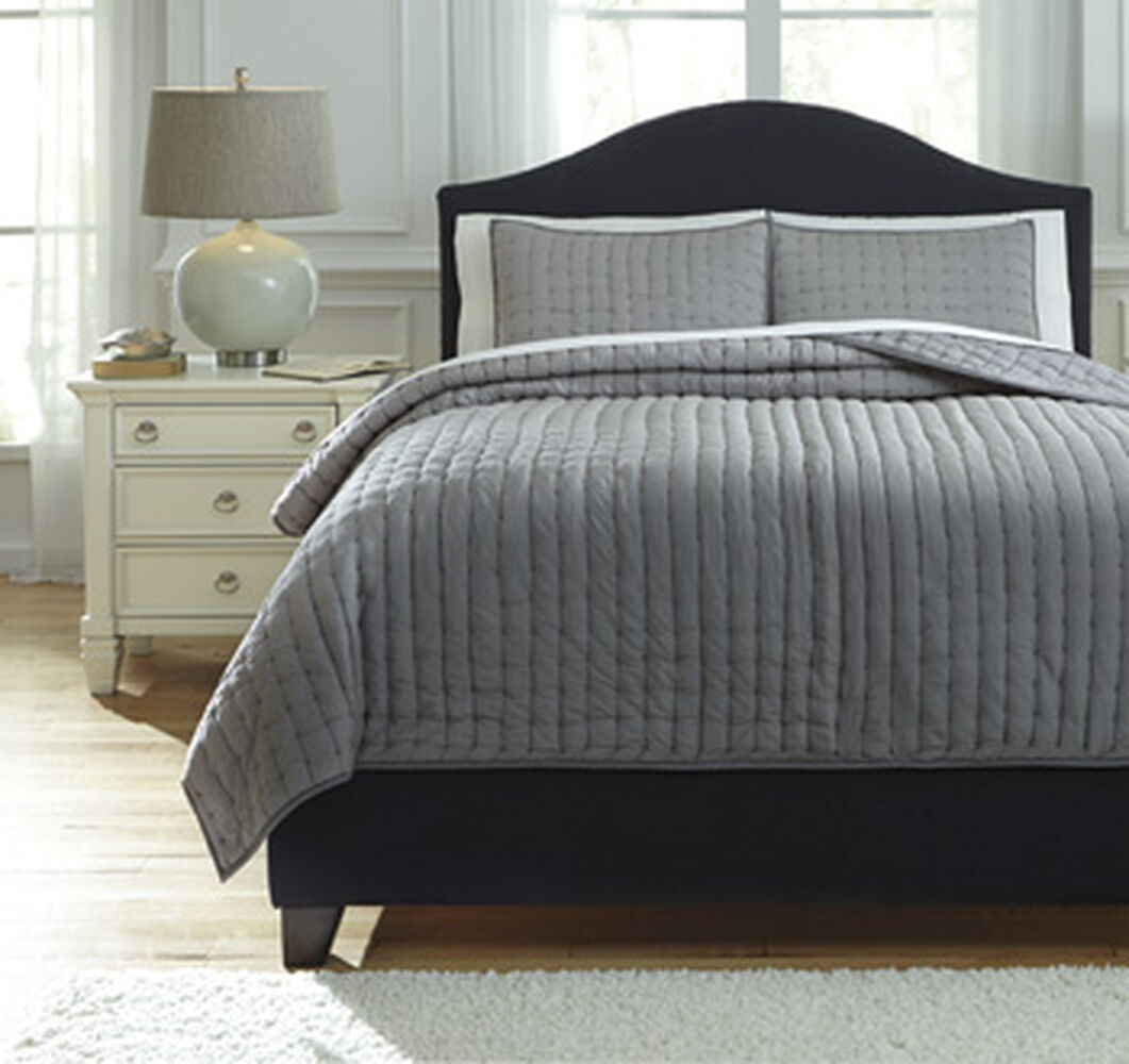 Three Piece Hand Quilted Queen Comforter Set In Gray Mathis Brothers Furniture