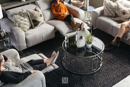 Round Geometric Base Modern Cocktail Table in Silver