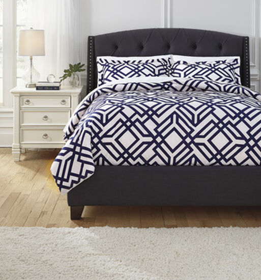 Three-Piece Geometric Contemporary Queen Comforter Set In