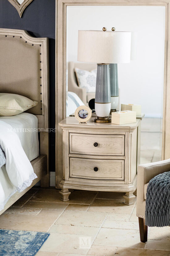 "29.5"" Casual Nightstand in Parchment White"