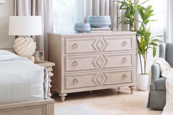 Casual Three-Drawer Dresser in Mocha
