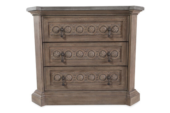 "33"" Three-Drawer Casual Bedside Chest in Natural Oak"