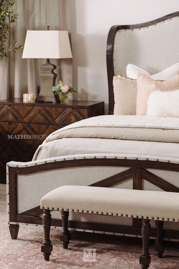 """Traditional 60"""" Nailhead Accented Bench in Warm Vanilla"""