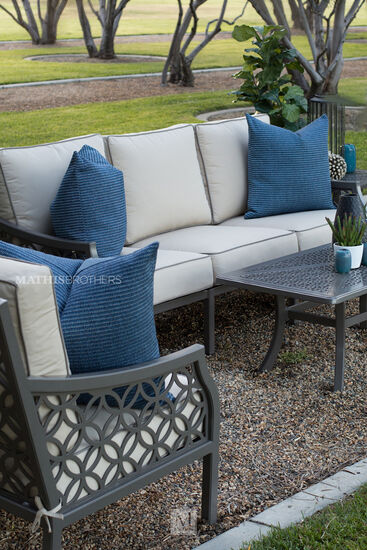 All-Weather Resistant Patio Loveseat in Brown