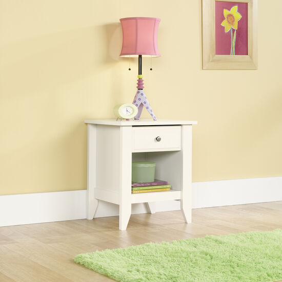 "24"" Traditional Nightstand in Soft White"